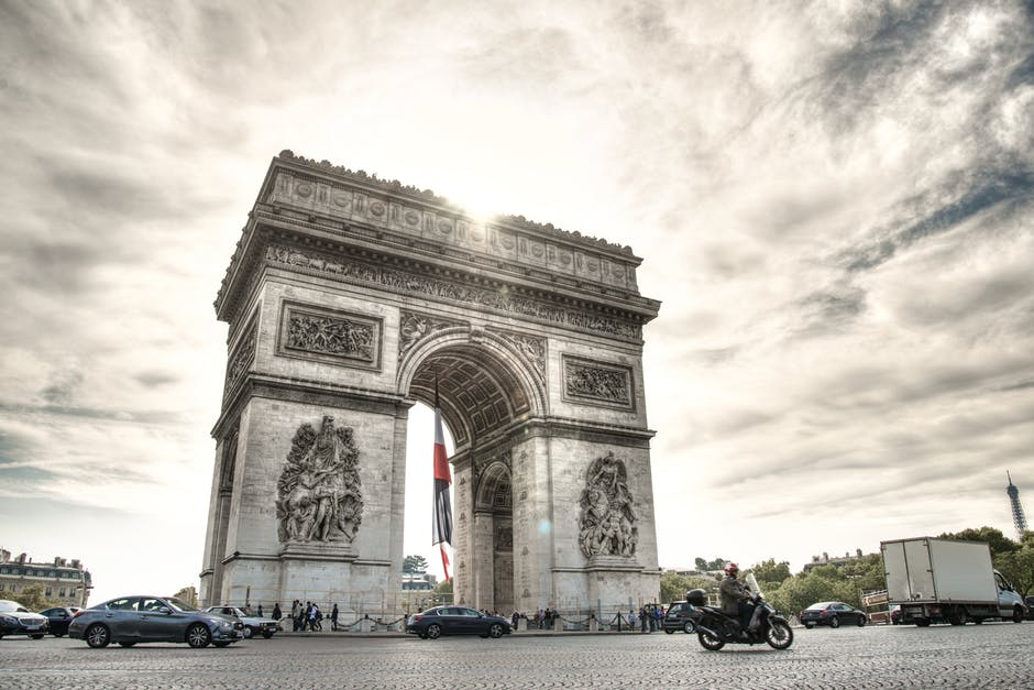 arc-de-triomph-scooter