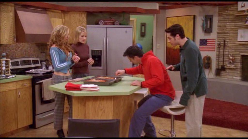 Série Tv « Joey » - Saison 1 Episode 13 : Le concours de lasagne